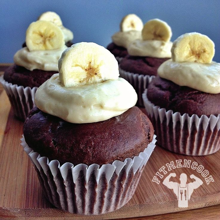 Banana Brown Rice Protein Cupcakes with Protein Icing #fitmencook fitmencook.com