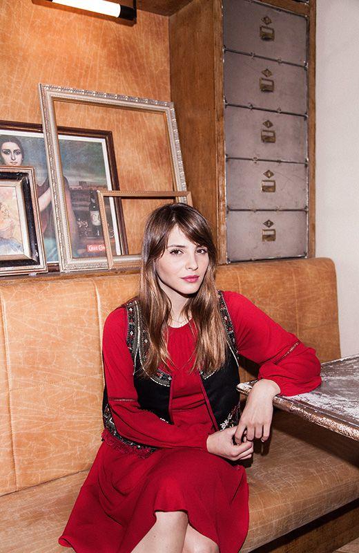 Entrevista Andrea Duro- Look Tintoretto y Fórmula Joven Entrevista a la actriz Andrea Duro http://stylelovely.com/influencers/andrea-duro-mi-estilo-es-bastante-basico-me-siento-comoda-con-unos-jeans-y-unas-sneakers/