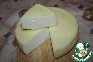 Качотта (Caciotta) один из самых распространенных итальянских сыров. Его делают почти во всех хозяйствах центральной Италии. Это полумягкий свежий сыр.
