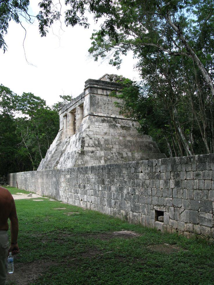 Hay evidencia de una ocupación casi ininterrumpida en el área actual de la zona arqueológica de Chichén Itzá