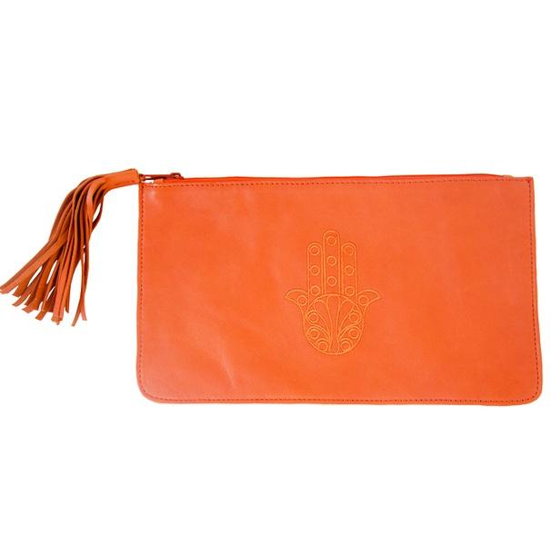Oranje leren clutch van ElRamlaHamra via http://nl.dawanda.com/