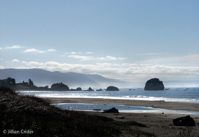 The shimmer of the sun on the southern Oregon coast, early morning. Photo: Jillian Crider - artistjillian - DreamyPapers