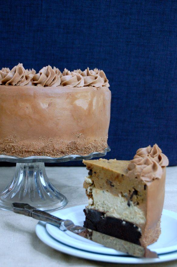 The Copenhagen Cake: A three-layered cake consisting of rich dark chocolate cake, vanilla cheesecake and on top a layer of raw cookie dough. Soooo good! Find the recipe @ copenhagencakes.com <3