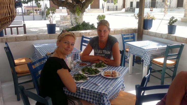 lekker eten met vriendin bij Kostas, Piskopiano