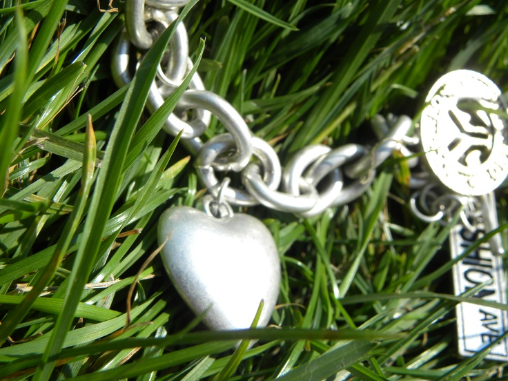 #Summer #grass #heart #bracelet #heart #silver #Nikon P90