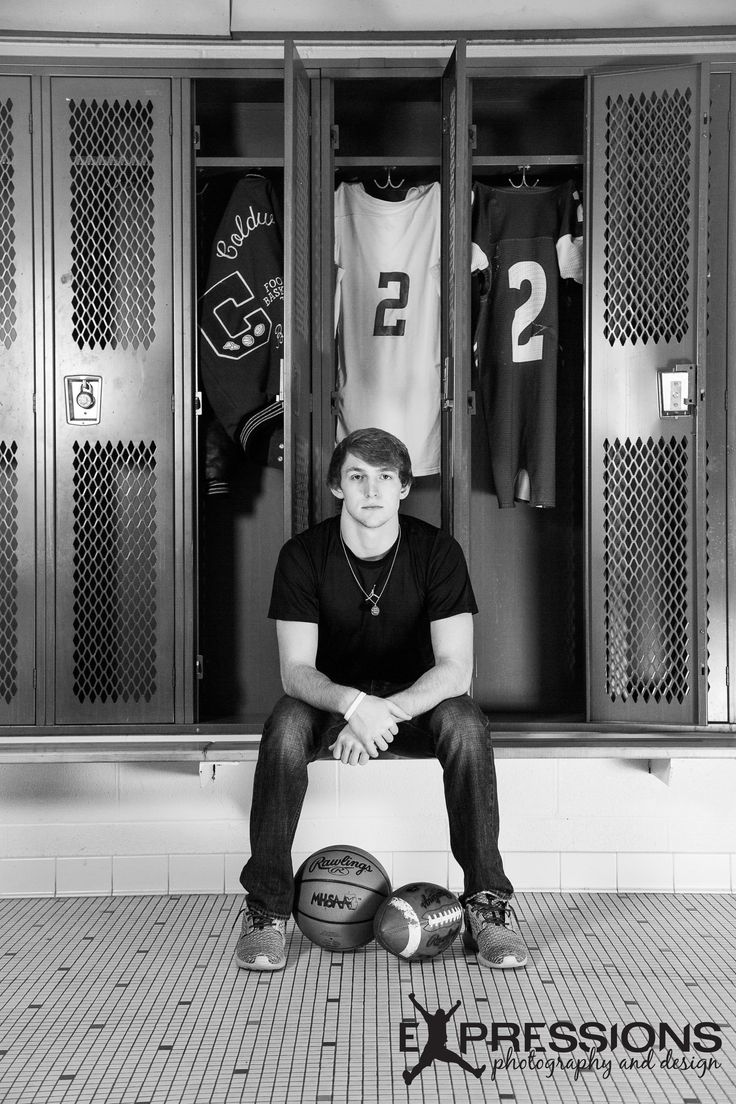 Senior • Sports • Locker room• Basketball • Football •
