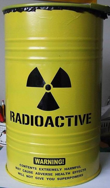 Rubbish Bin by Hitman Graphics, via Flickr. Will have to make this for the next Mad Scientist Party. <3