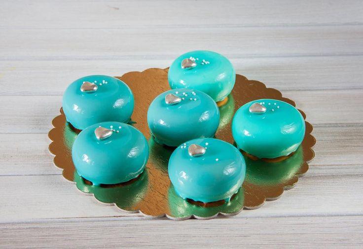 Pěnové dortiki patří k nejlepším doplňkům pro čaj. Přeji vám hezky večer.  Муссовые пирожные отличный вариант десерта для семейного чаепития. Всем хорошего вечера!  #dort #cake #happybirthday #narozeniny #oslava #pěnovédorty #pěnovýdort #moussecake #dortpodebrady #dessert #sweetcakes #czech #czechrepublic #podebrady #praha #food #homemade #cakestagrams