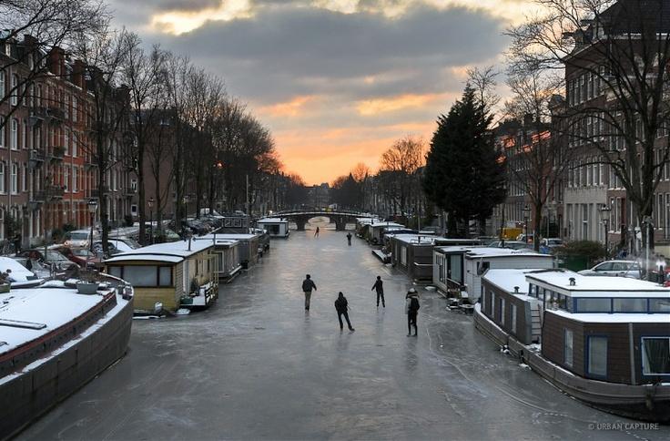 ca9a2df9c839e644ba5ce3a14a3318f3--amsterdam-netherlands-the-netherlands.jpg