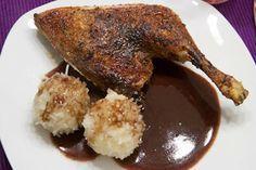 Ganz einfache Küche: Klassische Entenkeule mit Klößen und Rotkohl