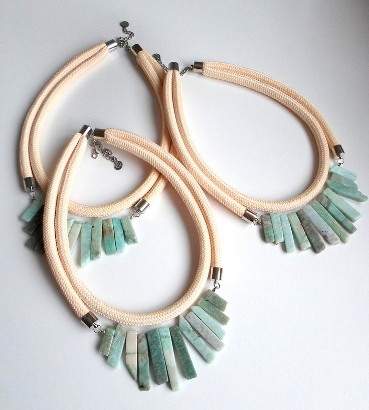 Nude rope necklace with light green gemstones