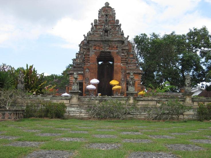 Puri Agung Klungkung, Bali-2011