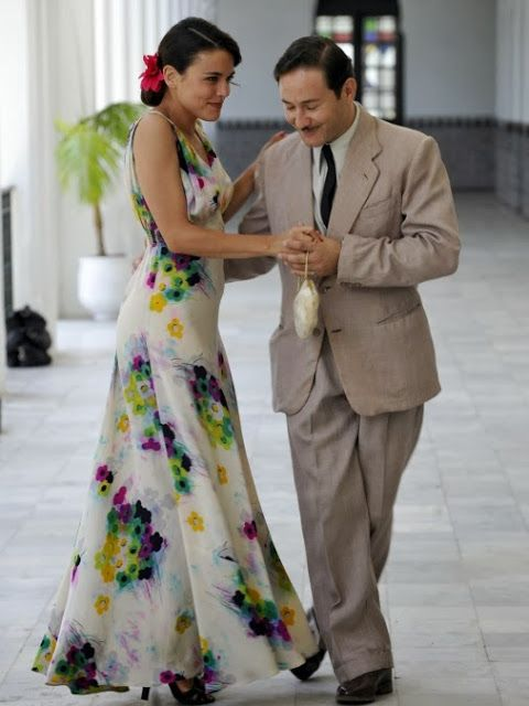 Sira Quiroga vestido blanco flores. El tiempo entre costuras. Capítulo 6. http://www.antena3.com/series/el-tiempo-entre-costuras/