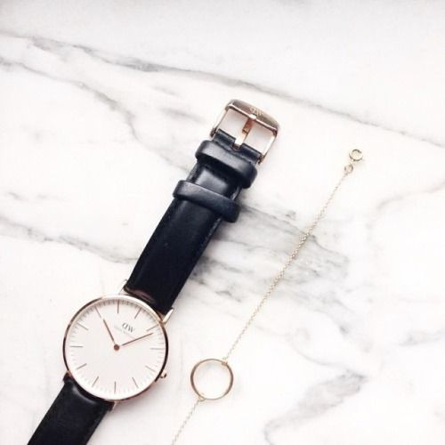 Daniel Wellington black minimalist watch
