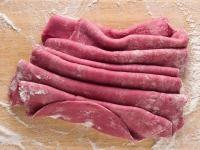 Základní recept na domácí těstoviny z červené řepy