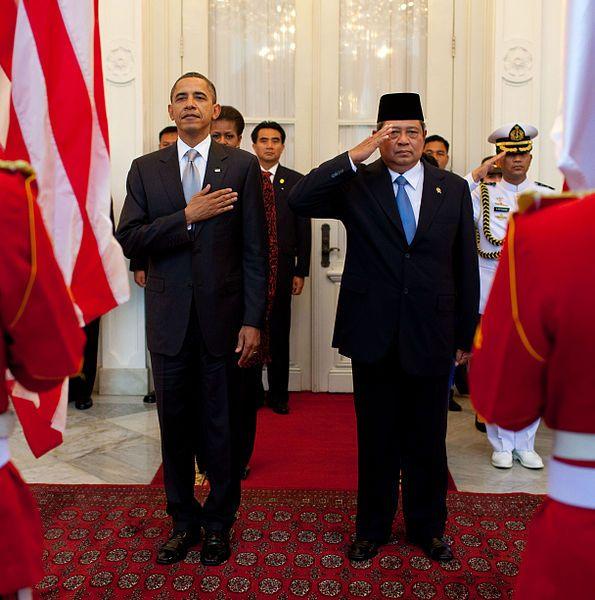 Susilo Bambang Yudhoyono with Barack Obama at the White House.  From http://xenohistorian.faithweb.com/seasia/