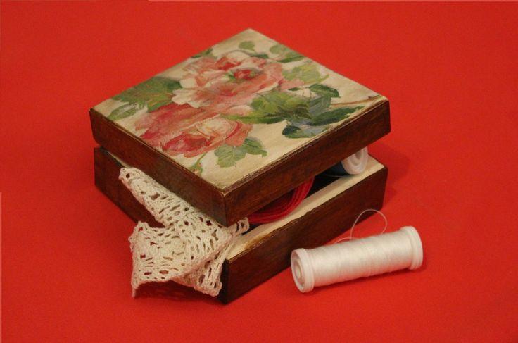 Różane pudełko na drobiazgi