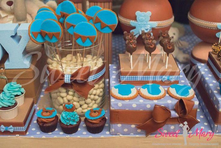 Детский сладкий стол на день рождения Готовим только из натуральных продуктов! Детский сладкий стол может включать, капкейки, печенье, кейкпопсы, конфеты на палочках, зефир, нугу, пастилу ручной работы и другие изделия на ваш выбор. Учтем аллергию и вкусовые пристрастия.