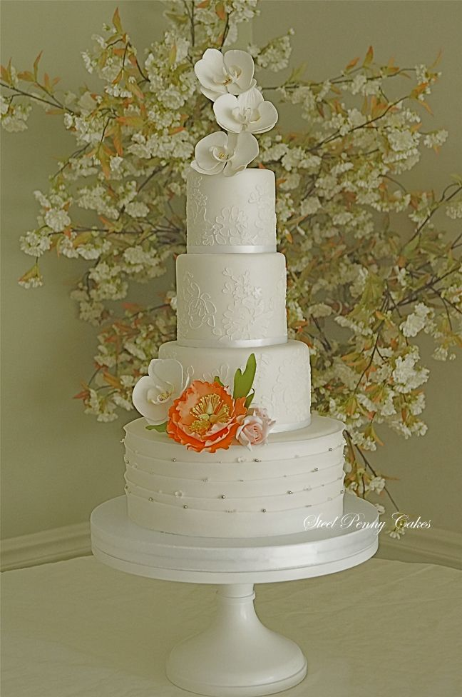 Love the backgroundro  and the cake too!