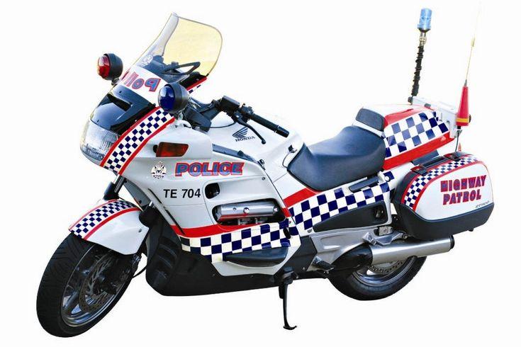 Australian Police Cars > Gallery > Western Australia Police > Image: 0504-a2_hondasolo-te704_00