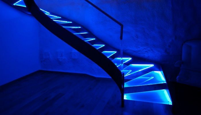 Lighting Basement Washroom Stairs: 17 Best Ideas About Led Stair Lights On Pinterest