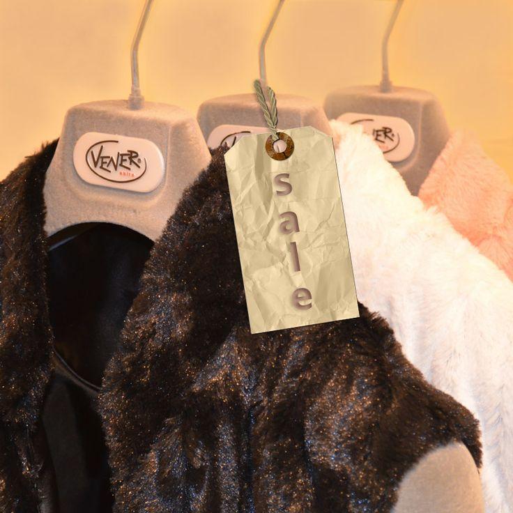 Οι εκπτώσεις συνεχίζονται.. Εσείς τί ψωνίσατε?!  Επισκεφθείτε μας και βρείτε κομψά ρούχα στο στυλ σας!  http://www.vener.gr/gr/newarrivals1.asp