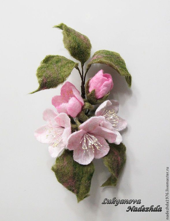 """Броши ручной работы. Ярмарка Мастеров - ручная работа Брошь из шерсти """"Яблоневый цвет"""". Handmade."""