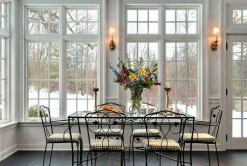 véranda transformée en salle à manger