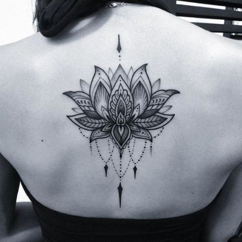 Magazine - 10 inspirations de tatouages dos - Allotattoo