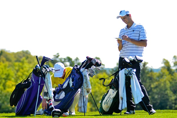 Andrew Ellefsen at the BSU golf invite. To read more visit http://www.bsubeavers.com/mgolf/news/2012-13/5980/bsu-takes-sixth-in-bsu-invitational/