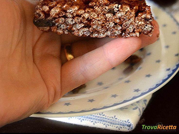 Barrette al cioccolato e caffè al riso soffiato e biscotti Oreo  #ricette #food #recipes