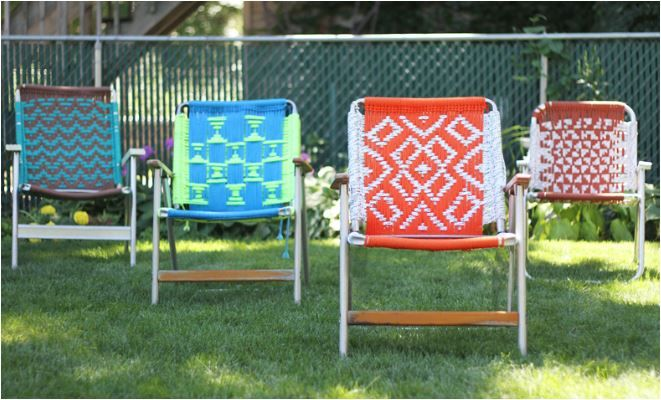 DIY Macrame Lawn Chair what an incredible idea! Used to do macrame back in the day...