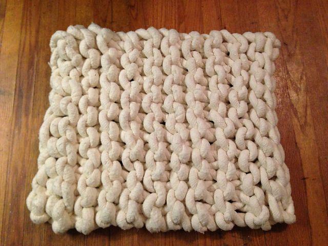 Knitting Patterns Large Needles Free : Big Knit Rug by Julia Martinez - free knitting pattern on Ravelry, uses US 50...