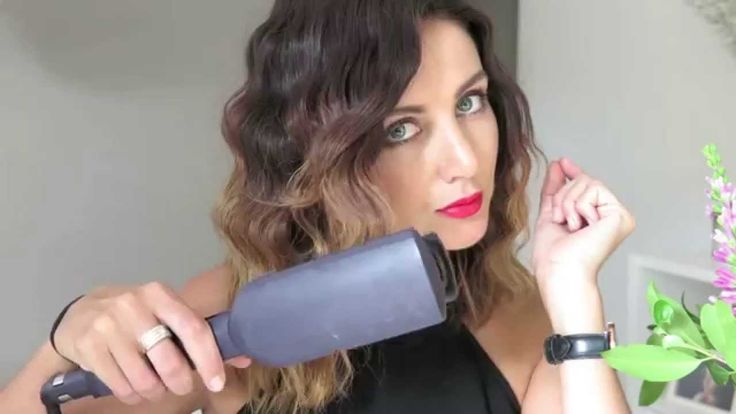Watch Bonnie from Oz Beauty Expert using the new VS Sassoon Deep Retro Glam Waver, stunning results!