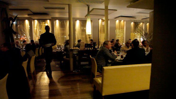 77 best restaurants gastronomiques images on pinterest - Restaurant dans la tour eiffel ...