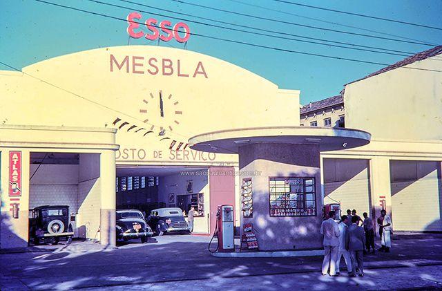Posto Esso Mesbla, em local não identificado em São Paulo