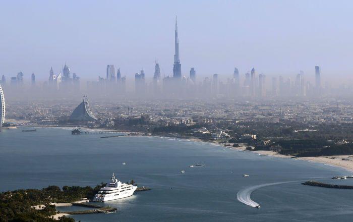 Sputnik Türkiye ///  Dubai'deki bir Hindistanlıya, Hz.Muhammed'e haraketten 1 yıl hapis cezası