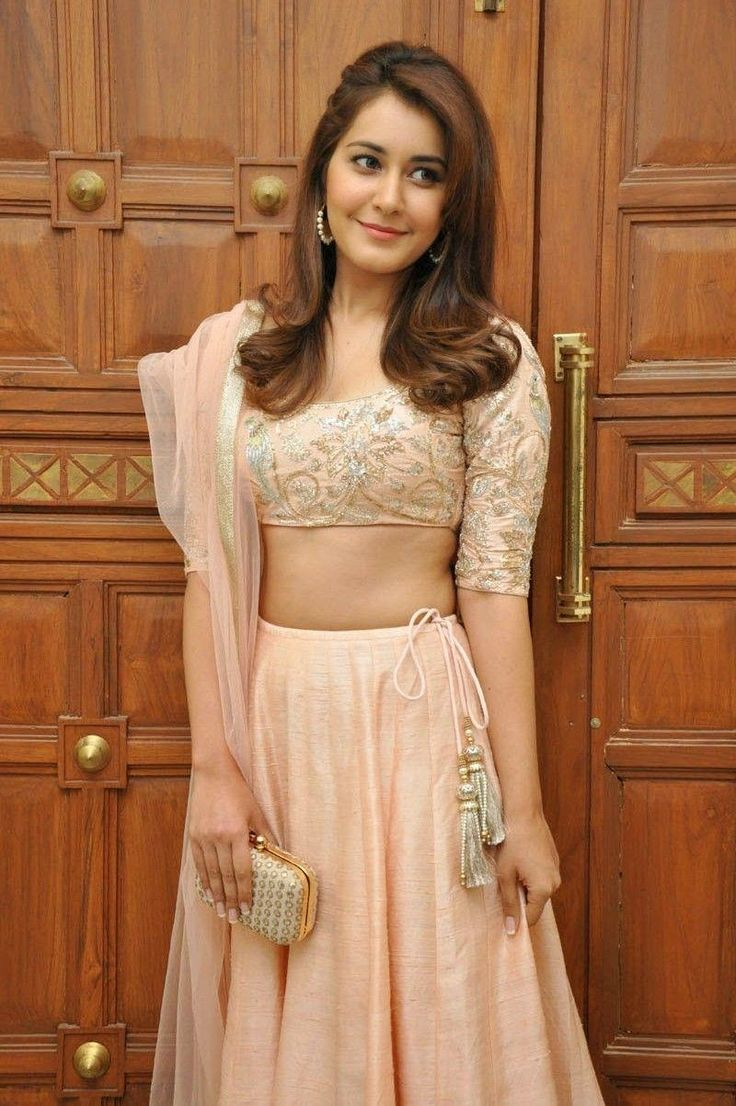 Hot and Sexy HD Images of Indian Film Actresses and Models: Rashi Khanna