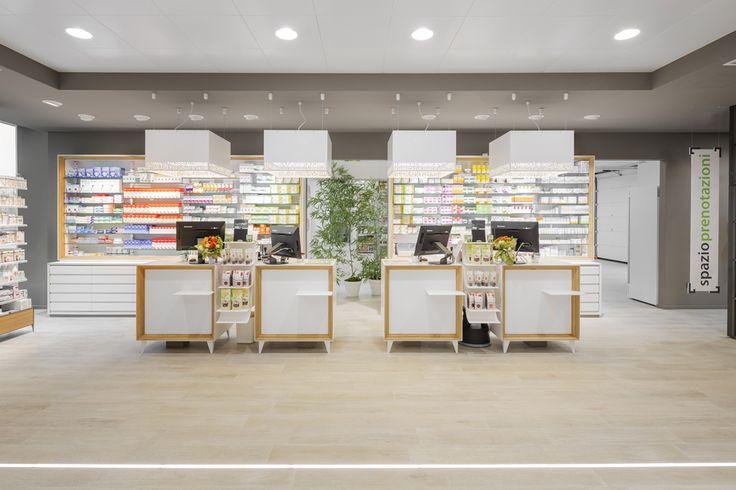 La Farmacia 3.0 Paini, con i suoi 400 mq di superficie dedicata allo spazio vendita, è un luogo efficiente ed innovativo in tutti i campi della salute, della bellezza e del benessere. La farmacia ospita un vero e proprio centro … Continua