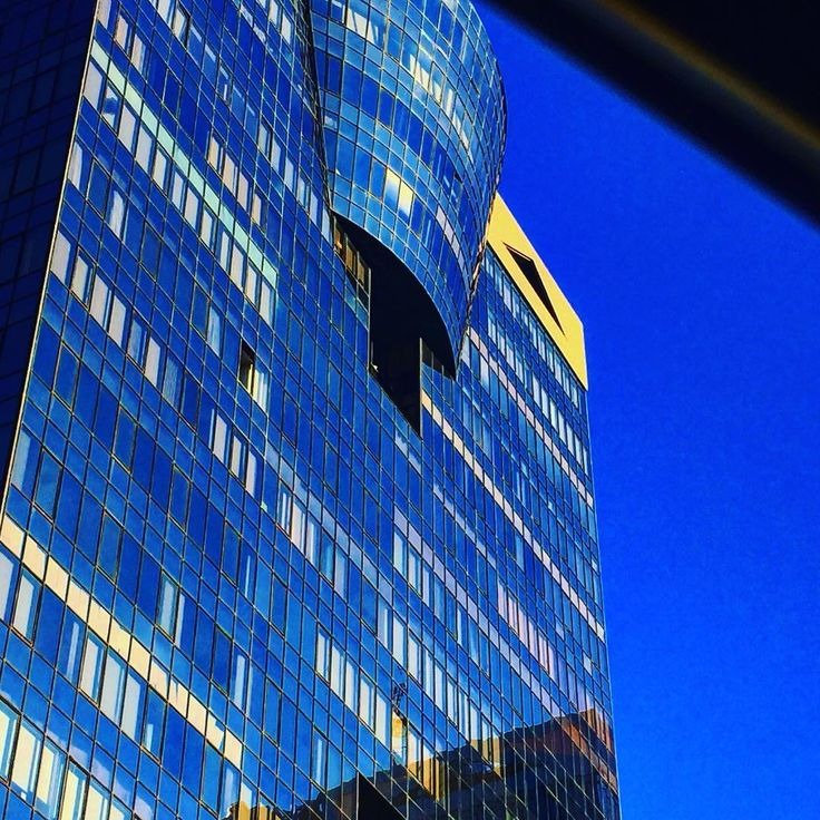 "31 Gostos, 6 Comentários - Filipe (@filipe.frausto) no Instagram: ""#wall#walls#building#buildings#predio#predios#edificio#edificios#fachada#fachadas#arquitectura#arquitetura#architecture#urbanview#urban#urbano#vistaurbana#reflexion#reflexions#reflexos#amoreiras#tomastaveira#taveirada"""