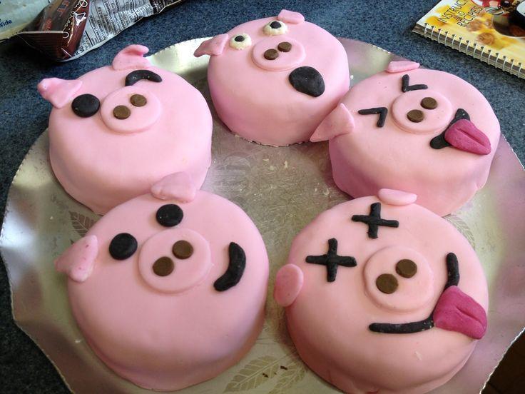 Piglet mini cakes
