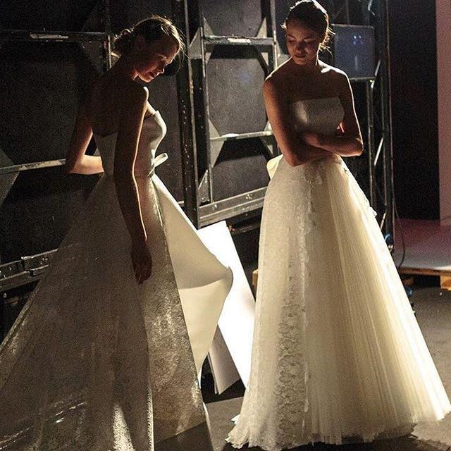La magia degli abiti Giuseppe Papini ・・・ Few minutes for a catwalk! Last check! What a Fantastic show of a new @giuseppepapini Giuseppe Papini 2018 #bridal collection! Fabulous! #bride2be #bridetobe #whitedress #wedding2018 #wedding #madeinitaly #свадебно
