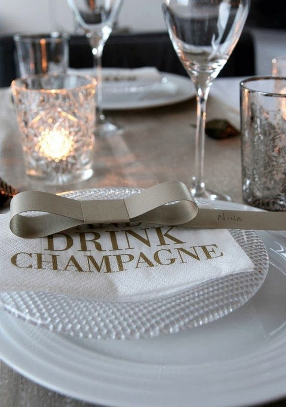 eye on details: GOLDEN NEW YEARS TABLE