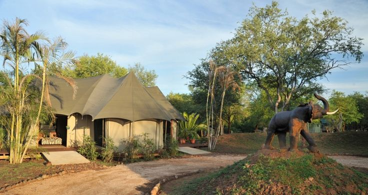 The camp is easily accessible by tour bus and vehicle parking space is provided just outside the reception area.