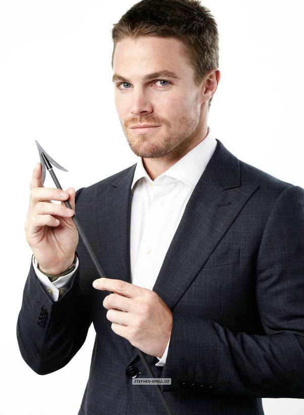 Stephen  Amell ~ In Arrow... hunky.. or not?!