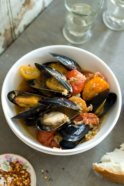 favorite seafood of all times: mussels, puglia style