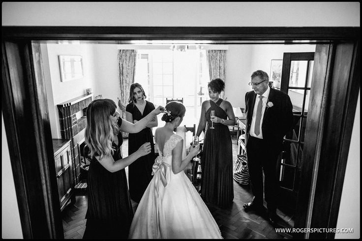 Lauren, Dad and bridesmaids preparing to marry Alex - shot on the Canon 5D4 using the screen to compose, more here