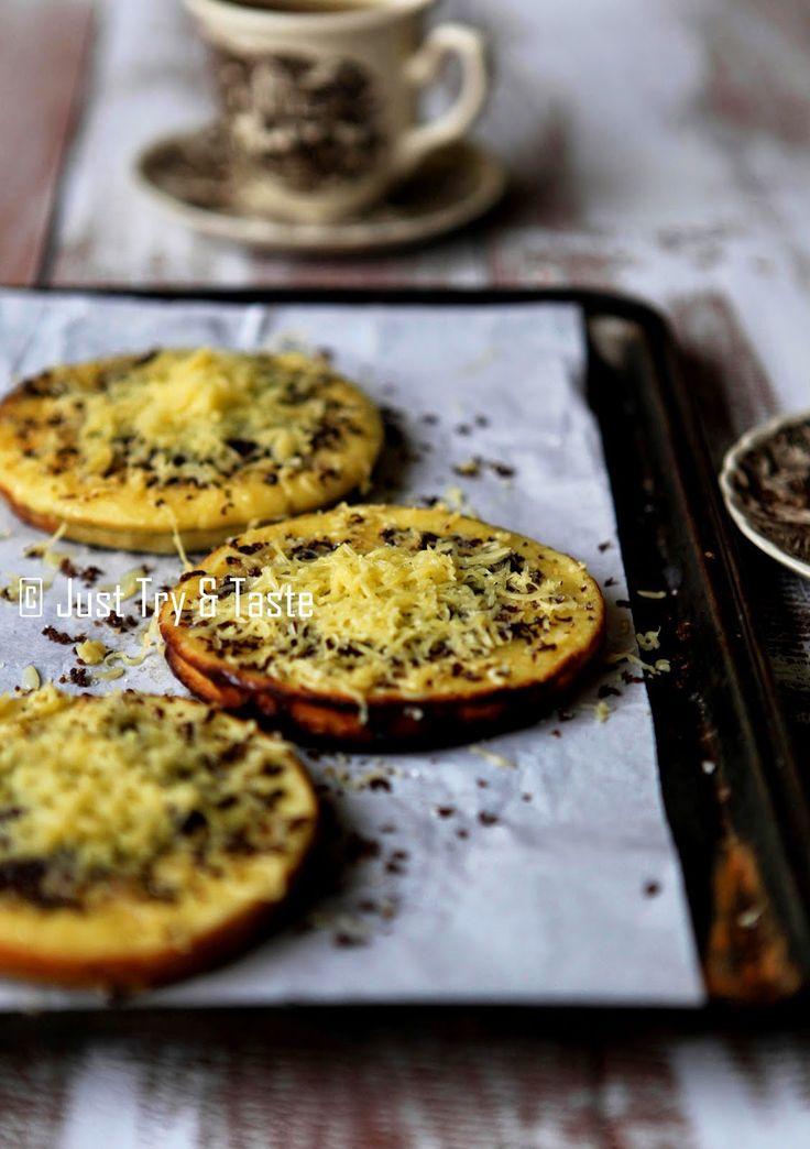 Just Try & Taste: Martabak Terang Bulan ( indonesian pancakes)