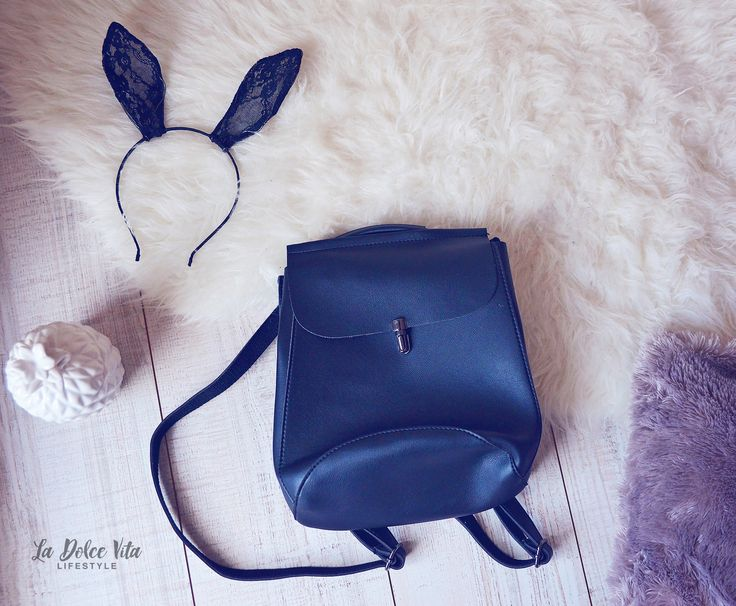 Pe blog: http://ladolcevita-lifestyle.com/2017/04/01/in-style-zaful/  http://www.zaful.com/flapped-pu-leather-backapck-p_252856.html?lkid=43647  #zaful #haul #blogger #backpack #blog #fashion #shopping