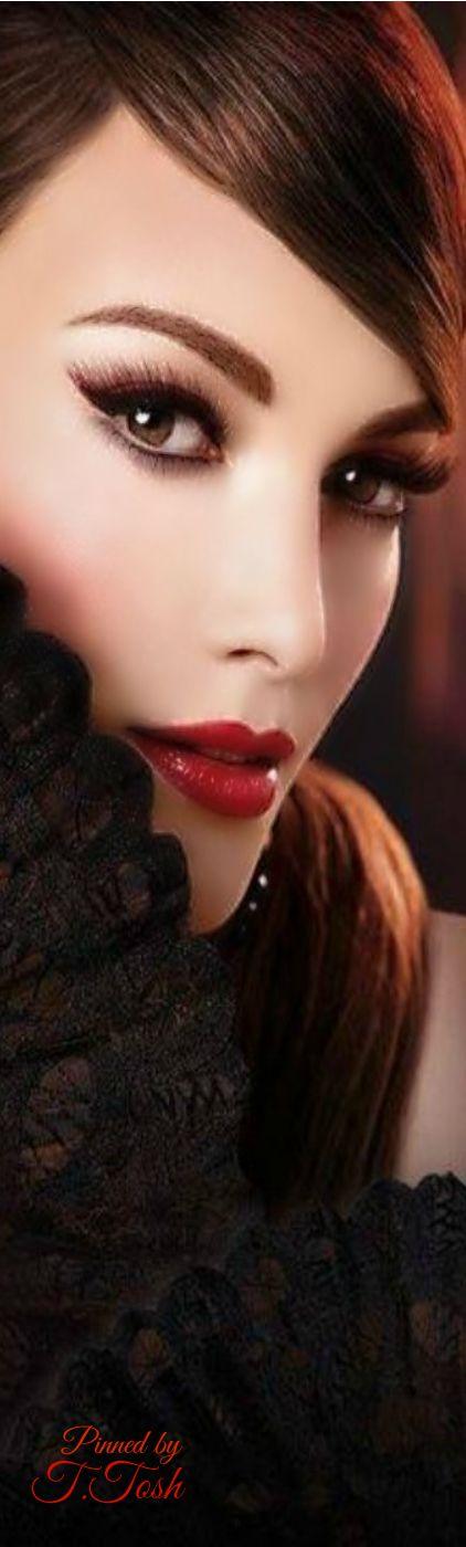 Stunning Woman   Tealyn Tosh